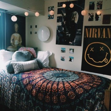 Creative dorm decoration ideas for your bedroom 38