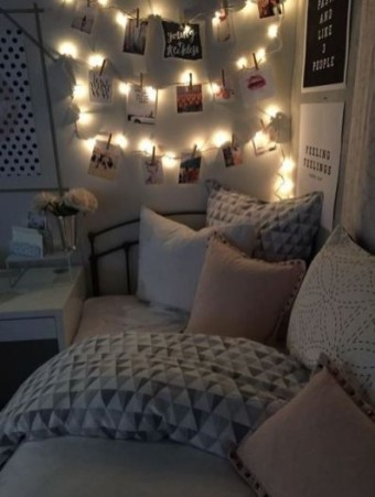 Creative dorm decoration ideas for your bedroom 39
