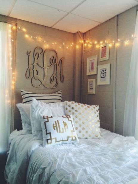 Creative dorm decoration ideas for your bedroom 40