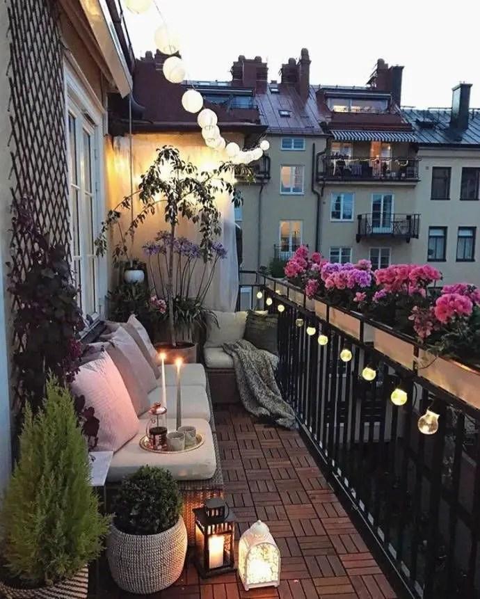 Creative small balcony design ideas for spring 18