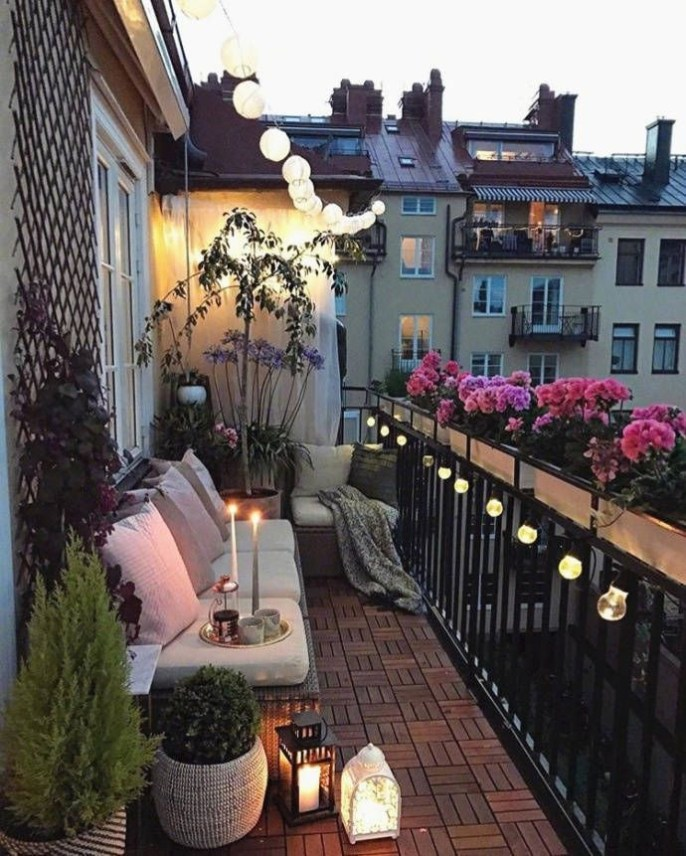 Creative small balcony design ideas for spring 18
