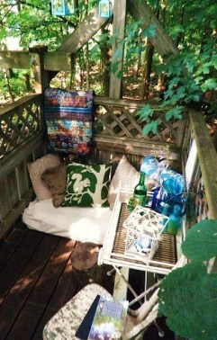Creative small balcony design ideas for spring 19