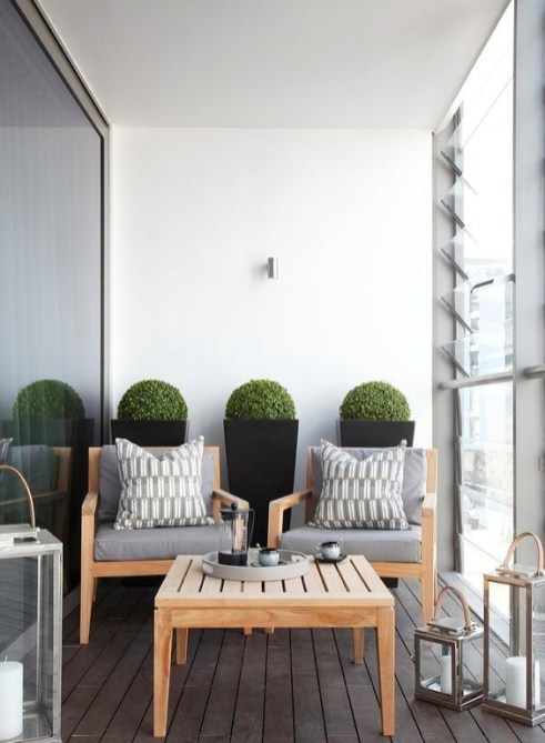 Creative small balcony design ideas for spring 31