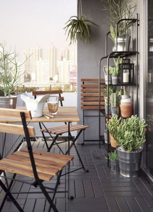 Creative small balcony design ideas for spring 40