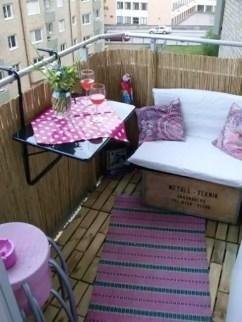 Creative small balcony design ideas for spring 42