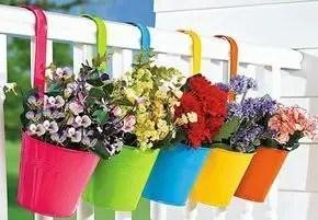 Creative small balcony design ideas for spring 49
