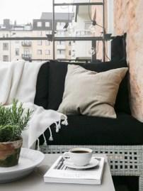 Creative small balcony design ideas for spring 54
