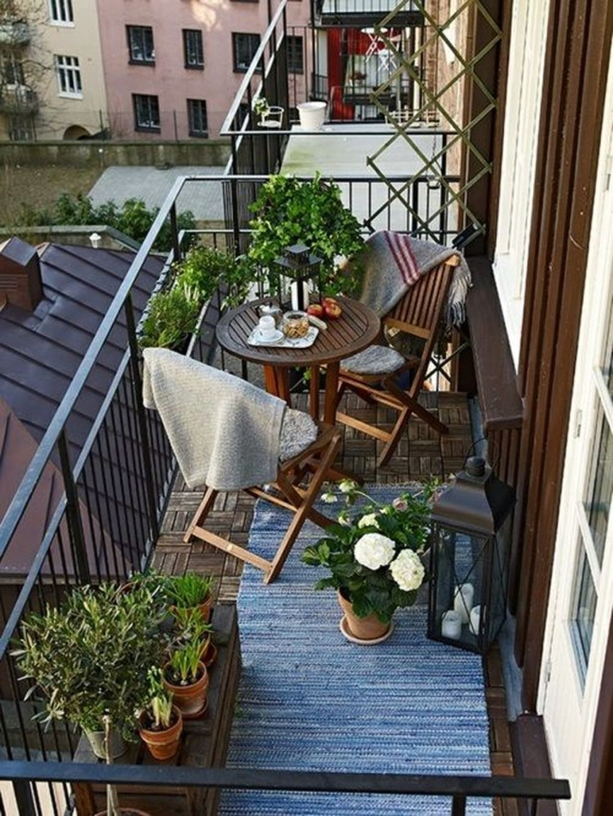 Creative small balcony design ideas for spring 64