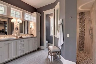 Luxury traditional bathroom design ideas for your classy room 26