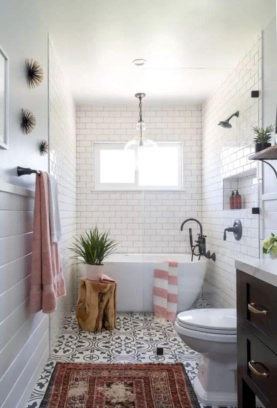 Rustic farmhouse bathroom ideas with shower 118
