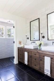 Rustic farmhouse bathroom ideas with shower 39