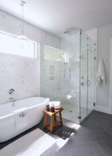 Rustic farmhouse bathroom ideas with shower 41