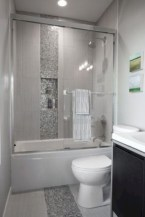 Rustic farmhouse bathroom ideas with shower 48