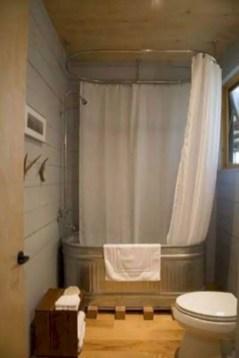 Rustic farmhouse bathroom ideas with shower 91