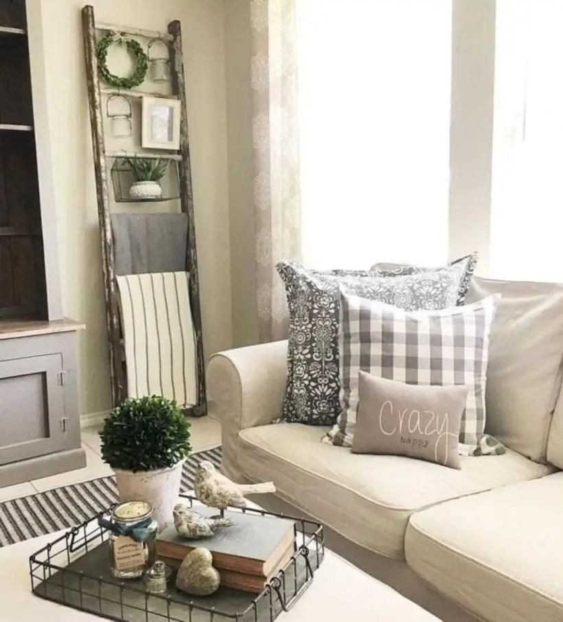Rustic modern farmhouse living room decor ideas 29