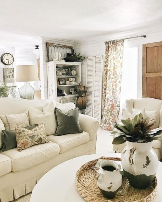 Rustic modern farmhouse living room decor ideas 63