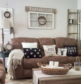Rustic modern farmhouse living room decor ideas 68