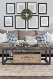 Rustic modern farmhouse living room decor ideas 77