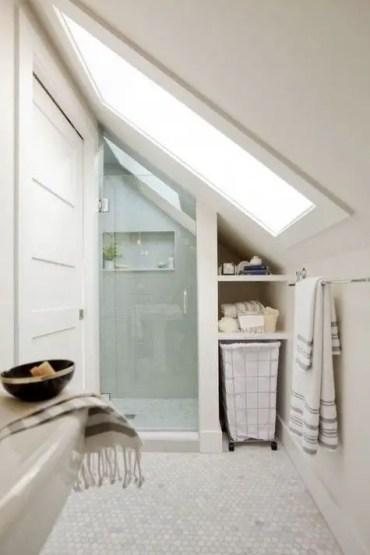Unique attic bathroom design ideas for your private haven 02