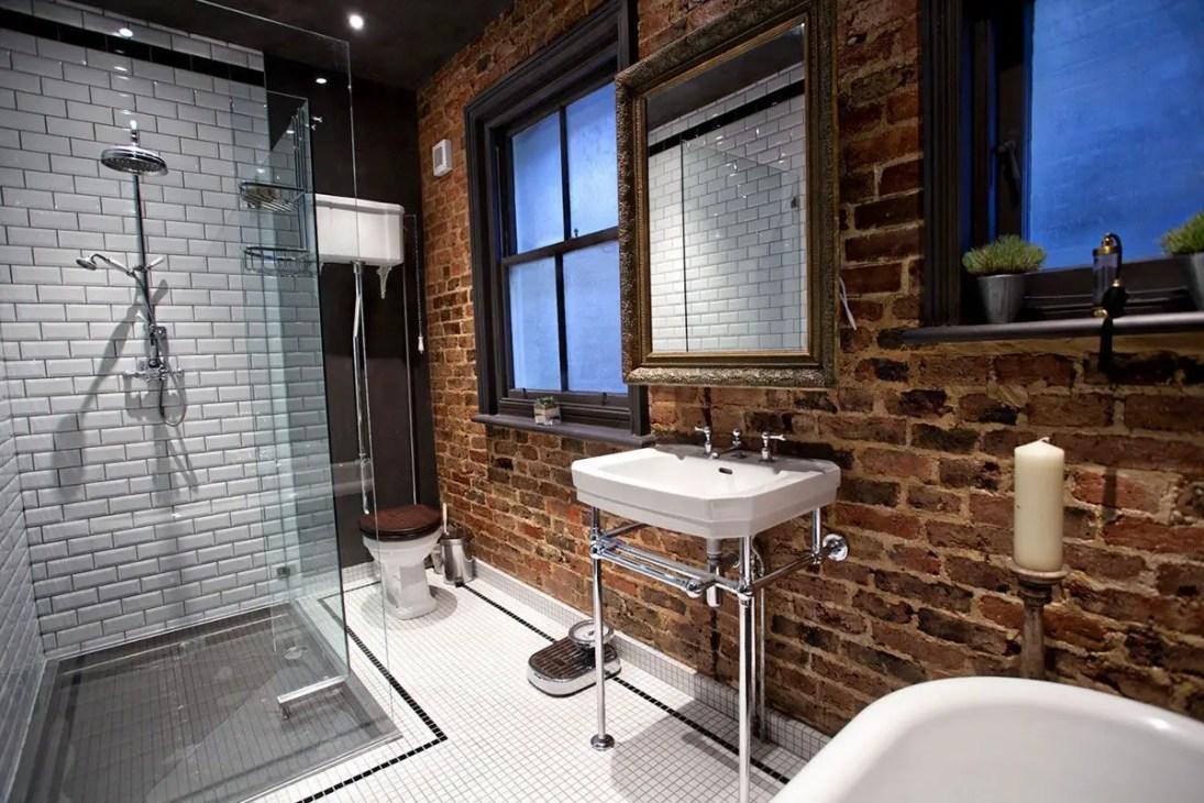 Unique attic bathroom design ideas for your private haven 06