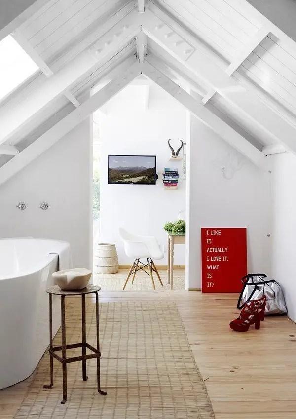 Unique attic bathroom design ideas for your private haven 20