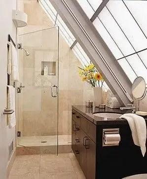 Unique attic bathroom design ideas for your private haven 43