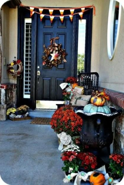 Beautiful decor ideas to hang on your door that aren't wreaths 04