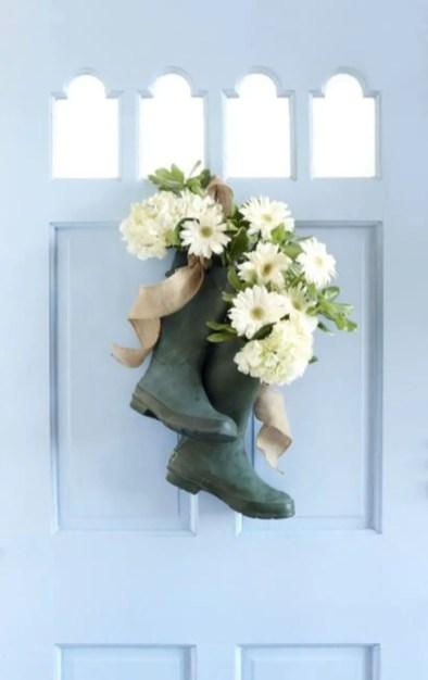 Beautiful decor ideas to hang on your door that aren't wreaths 05