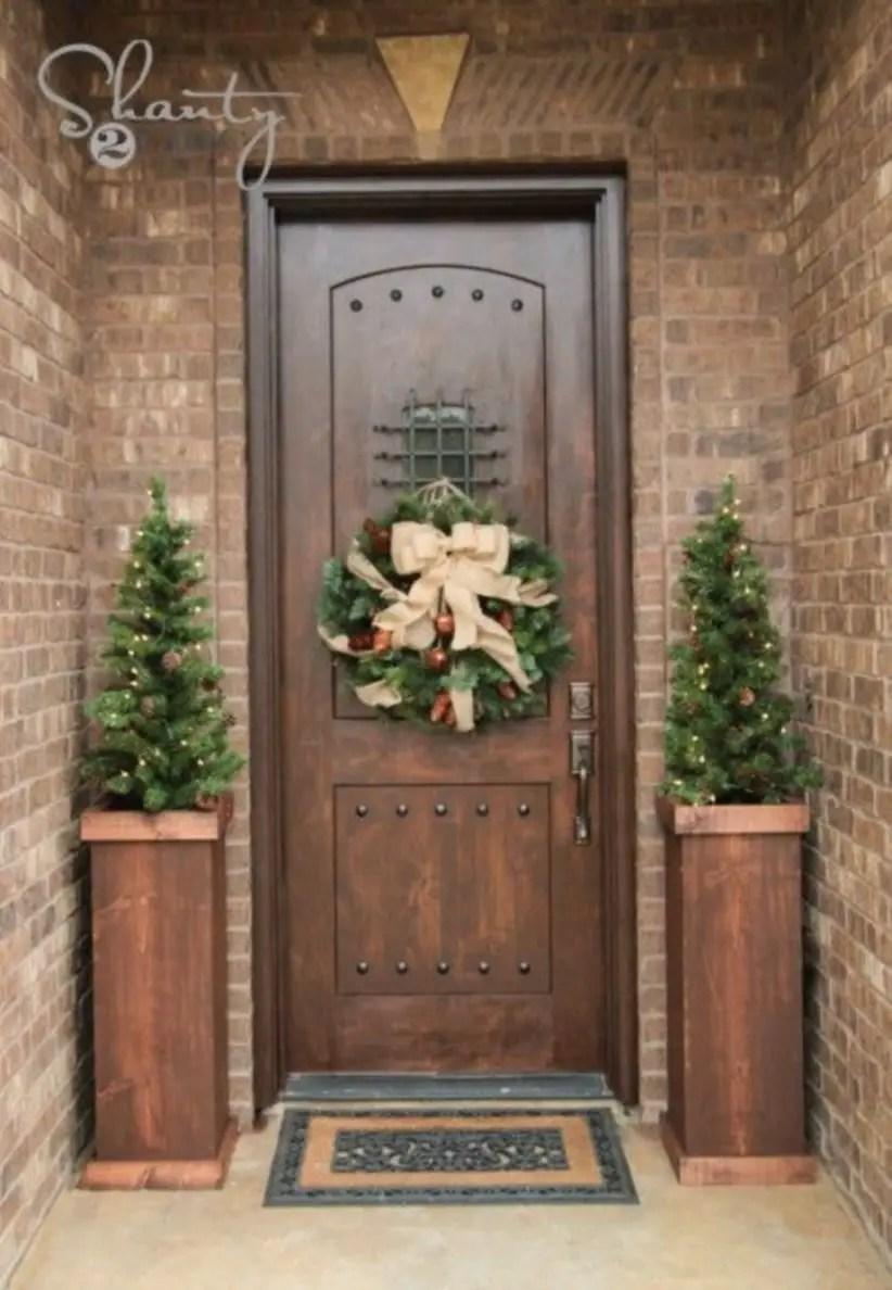 Beautiful decor ideas to hang on your door that aren't wreaths 08