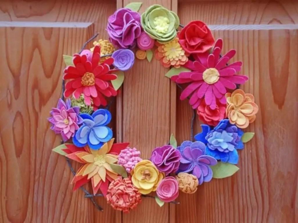 Beautiful decor ideas to hang on your door that aren't wreaths 09