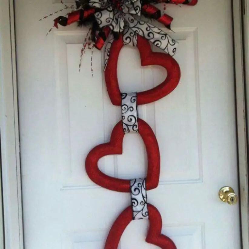 Beautiful decor ideas to hang on your door that aren't wreaths 14