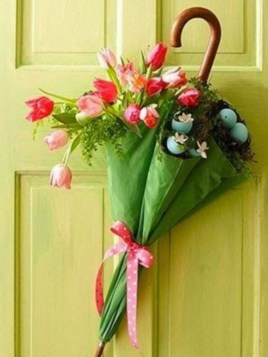 Beautiful decor ideas to hang on your door that aren't wreaths 20