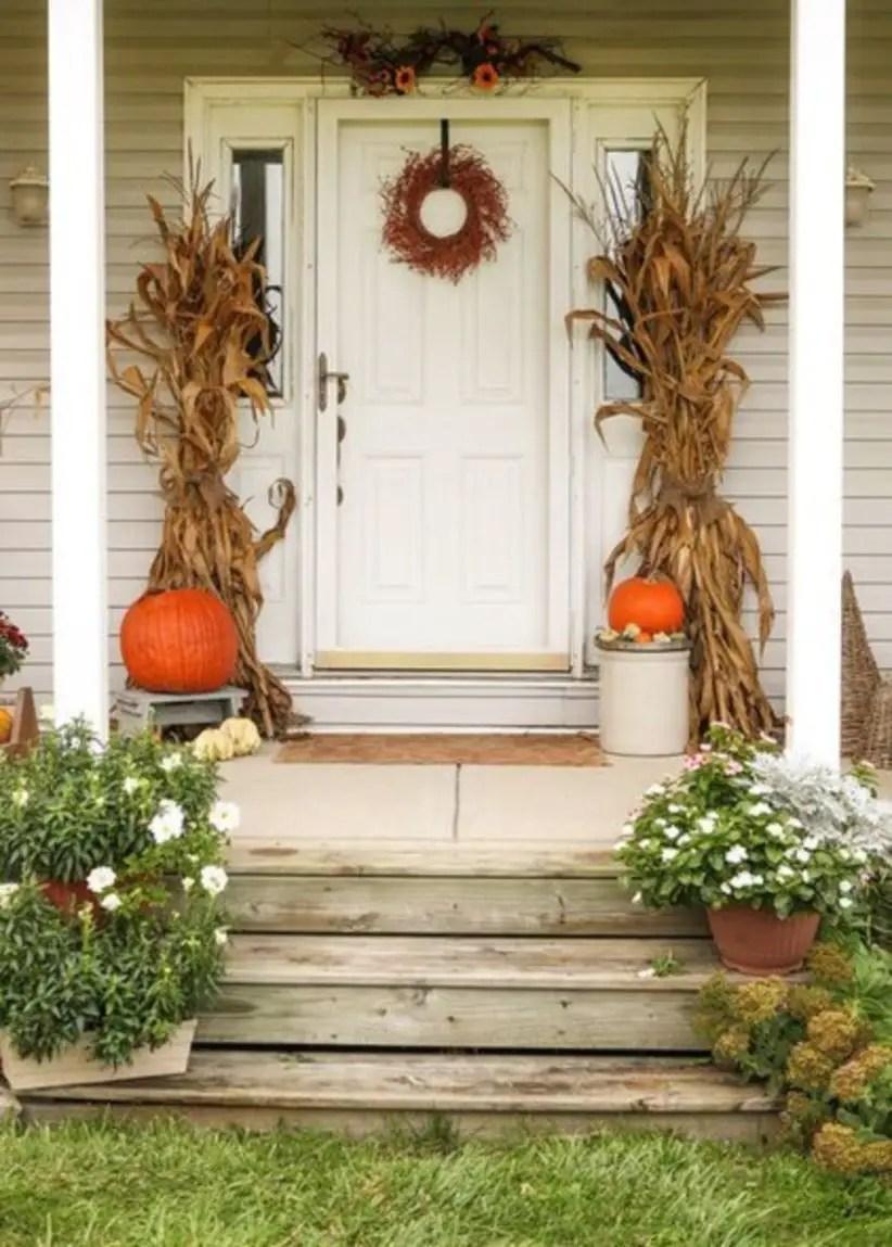 Beautiful decor ideas to hang on your door that aren't wreaths 34