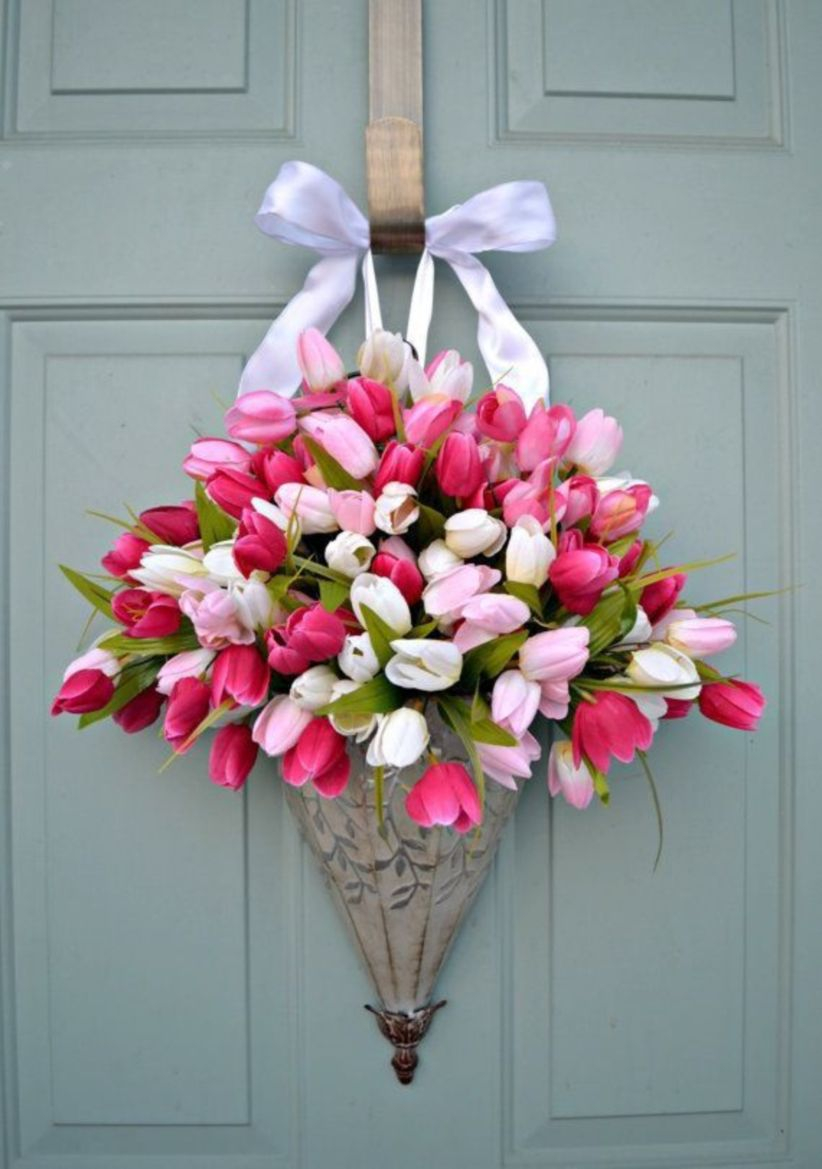 Beautiful decor ideas to hang on your door that aren't wreaths 38