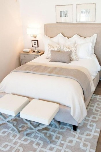Cozy farmhouse master bedroom decorating ideas 14