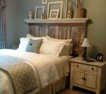 Cozy farmhouse master bedroom decorating ideas 15