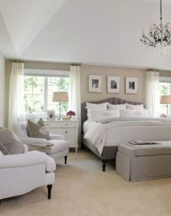 Cozy farmhouse master bedroom decorating ideas 19