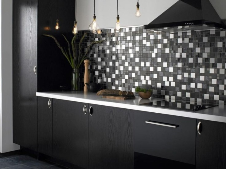 Stylist and elegant black and white kitchen ideas 07