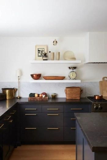 Stylist and elegant black and white kitchen ideas 11