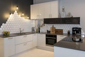 Stylist and elegant black and white kitchen ideas 17