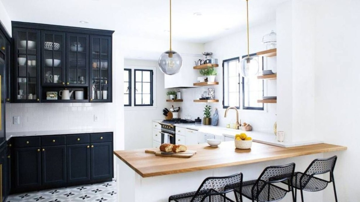 51 Stylist and Elegant Black and White Kitchen Ideas