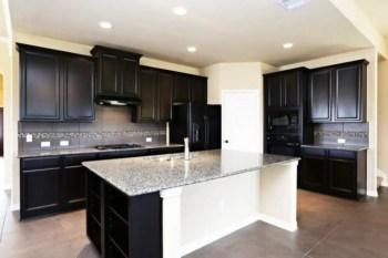 Stylist and elegant black and white kitchen ideas 48