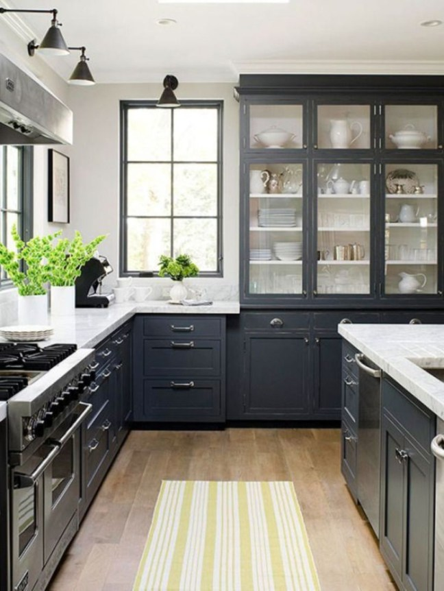 Stylist and elegant black and white kitchen ideas 50