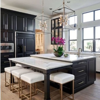Stylist and elegant black and white kitchen ideas 51