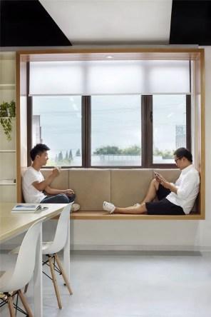 Bay window ideas that blend well with modern interior design 12
