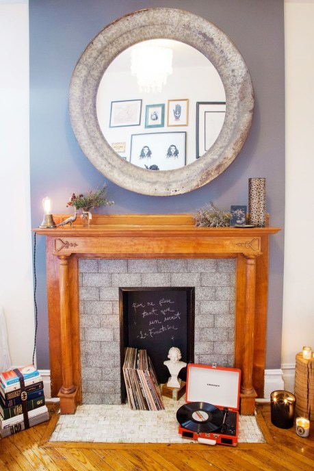 Adorable round mirror designs to brighten up your small space 10