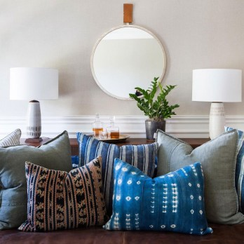 Adorable round mirror designs to brighten up your small space 42