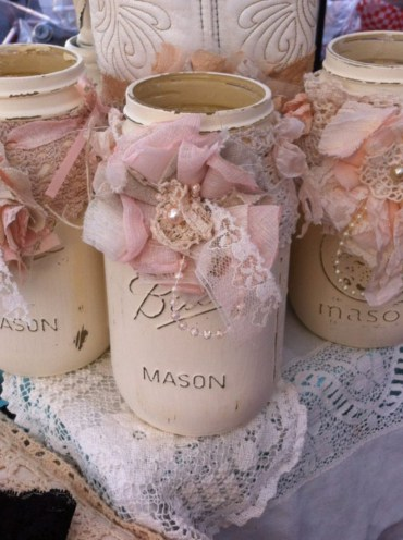 Cheerful ways to use mason jars this spring 01