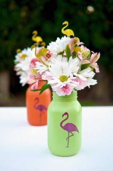 Cheerful ways to use mason jars this spring 20