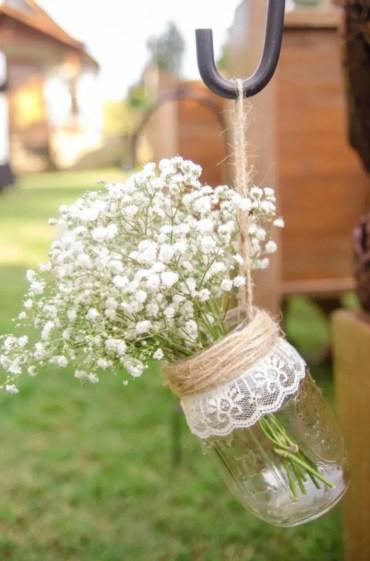 Cheerful ways to use mason jars this spring 31